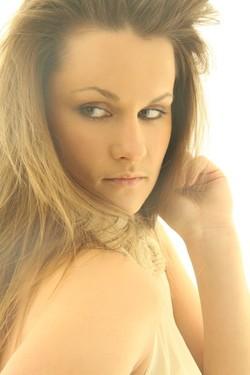 Loreta, 25